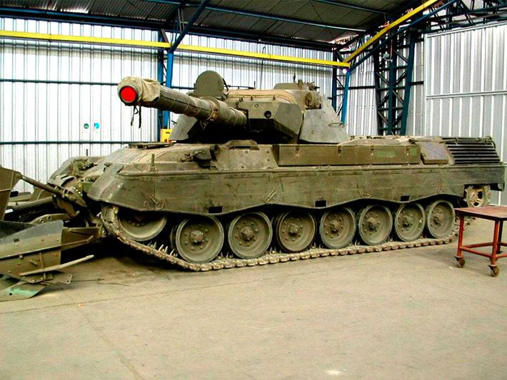 Tanque original para el diseño habitáculo de vehículo militar realizado por Imbris